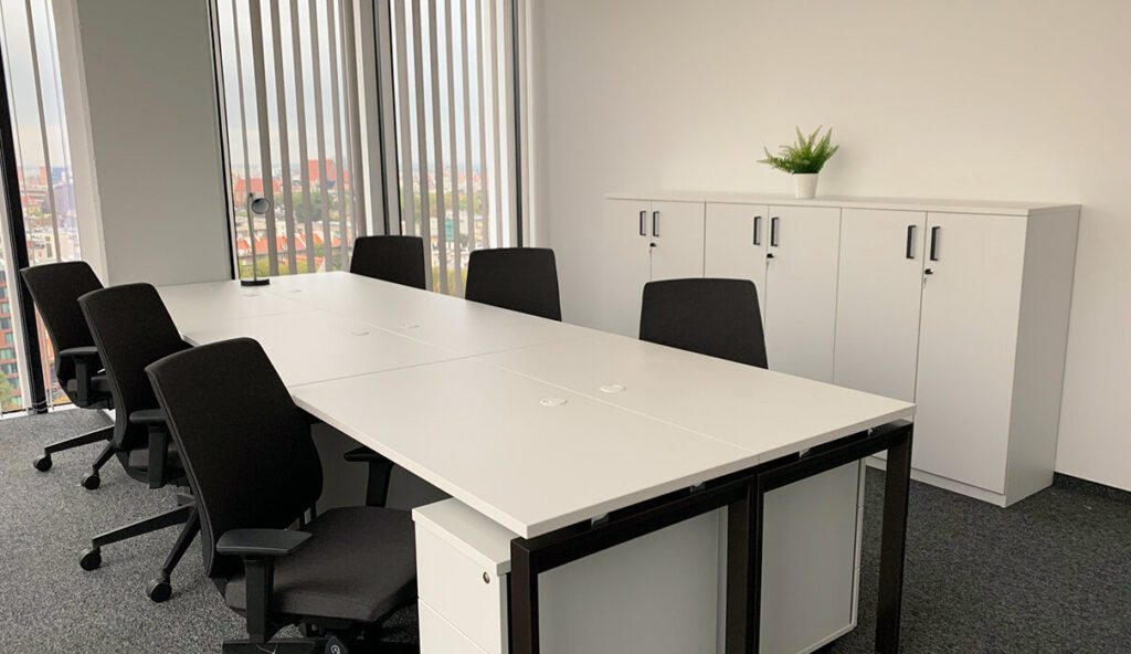 Walk-in-office Silver Tower Center